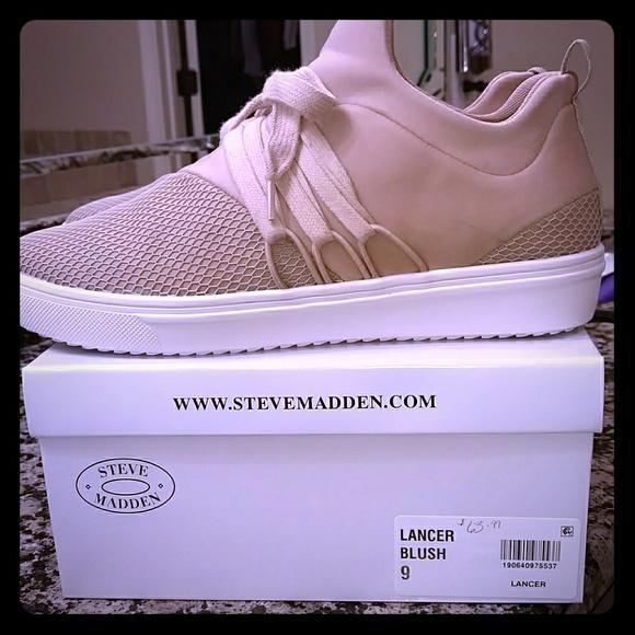 52f261e7258 Steve Madden Lancer Sneakers